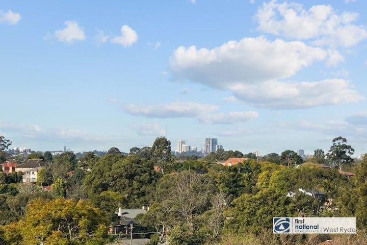 Bright, fully renovated, stunning view apartment