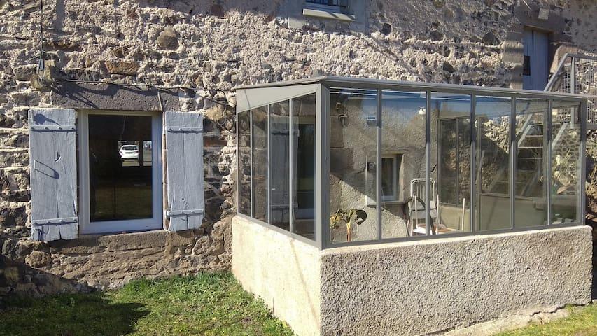 Maison typique rénovée avec jardin clos