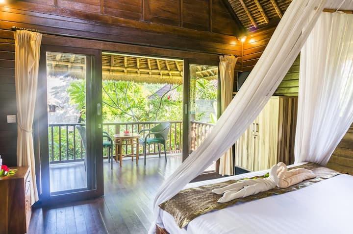 One Bedroom Bungalow in Lembongan