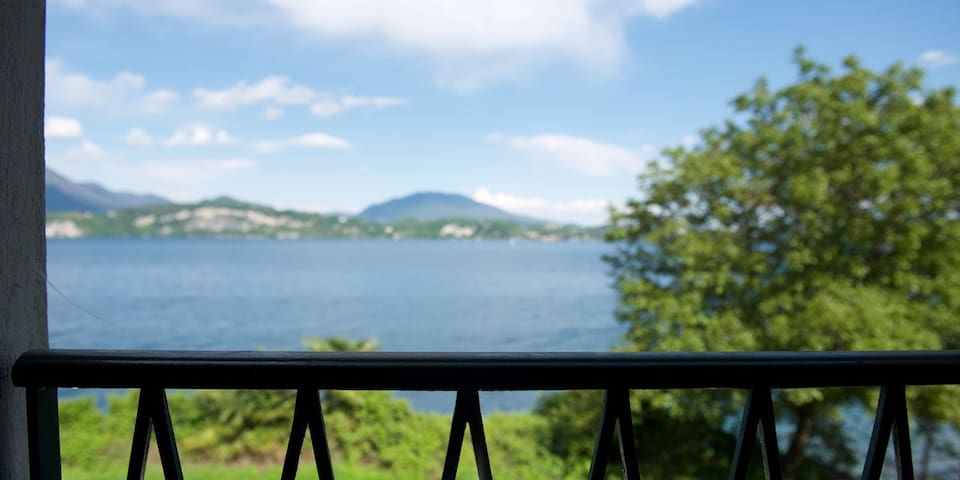 Stresa apartment with private access to beach - Belgirate - Apartment