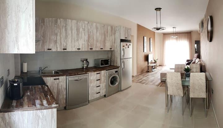 New stylish and modern 2 bd. beach apartment