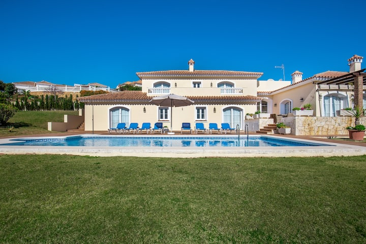 5 star villa in Alcaidesa near Sotogrande