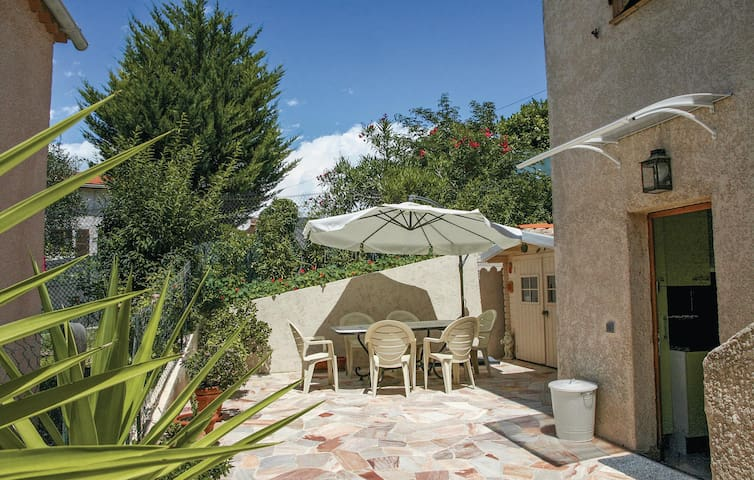 Holiday apartment with 1 bedroom on 40 m² in La Trinite