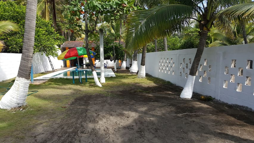 Marbella Beachfront Ranch - Sonsonate Department - Stuga