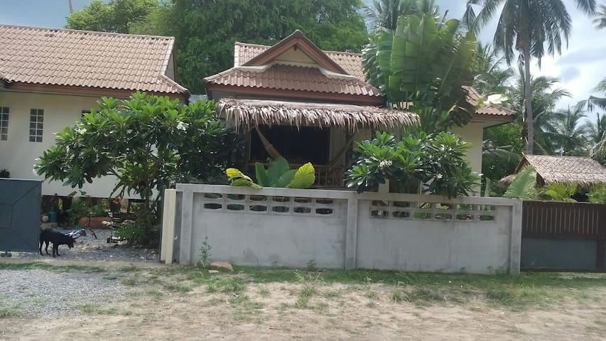 A beautiful 2 bedrooms on the beach