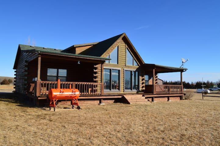 Parker Lake House & Hunting Retreat