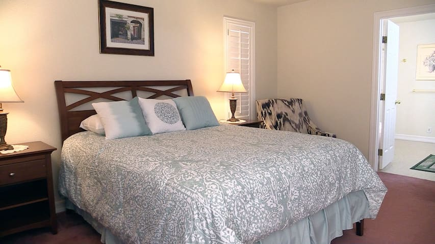 **PRIVATE MASTER SUITE & BATH CLOSE TO THE STRIP**