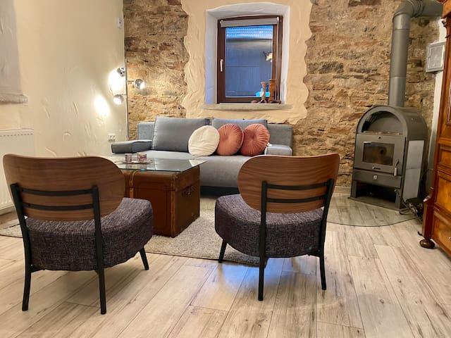 Eifelstein, Apartment mit Whirlpool und Ofen