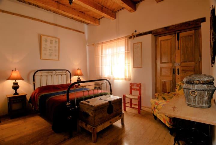 Habitación colonial en Hacienda la Cruz, E3