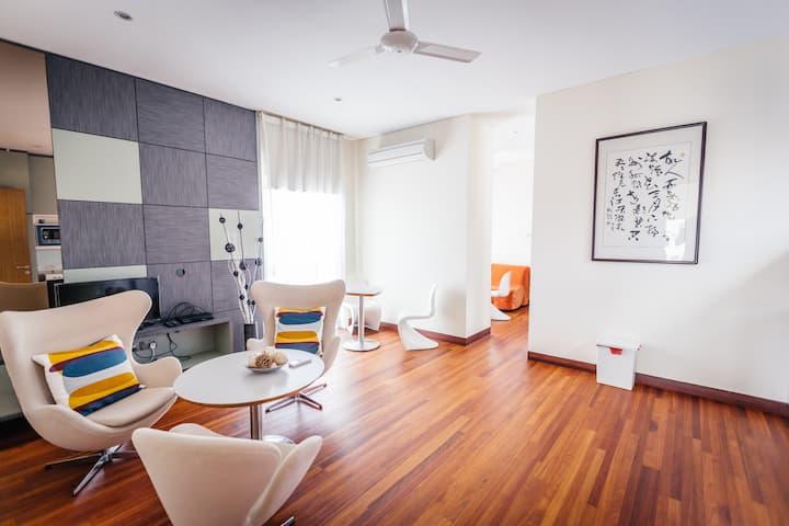 Modern & Big One bedroom 8 at topfloor in bungalow