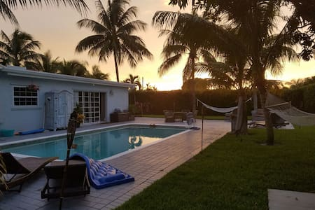 Studio, PRVT House Close to it All! - Boca Raton