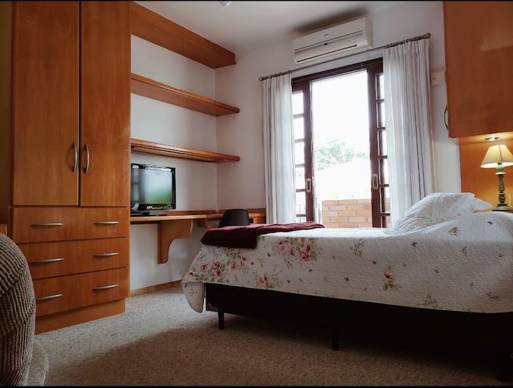Suite 200 metros da UFSC