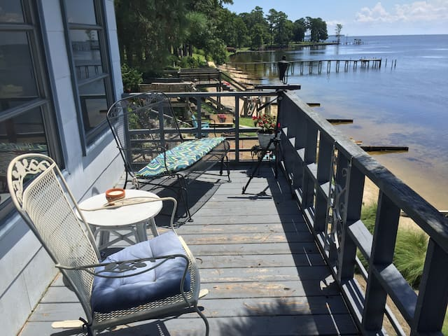 One more view of the deck...