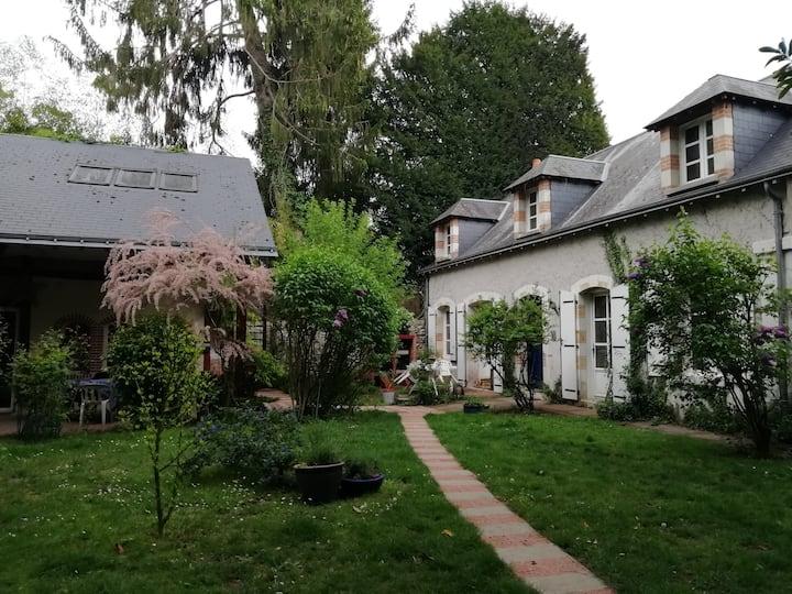 Amboise : maison de campagne au pied du château !