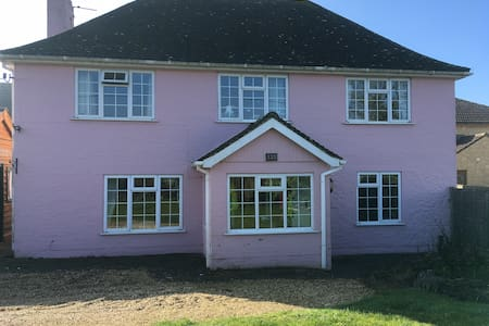 B & B in Country Cottage nr Longleat. Dog friendly