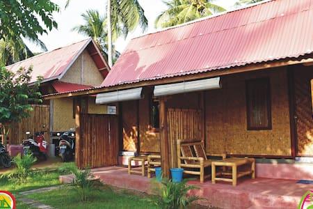 Sasak Lombok Bungalow - Pujut