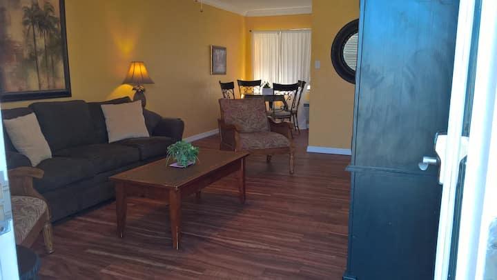 Royal North Beach - One Bedroom Luxury Condo 202