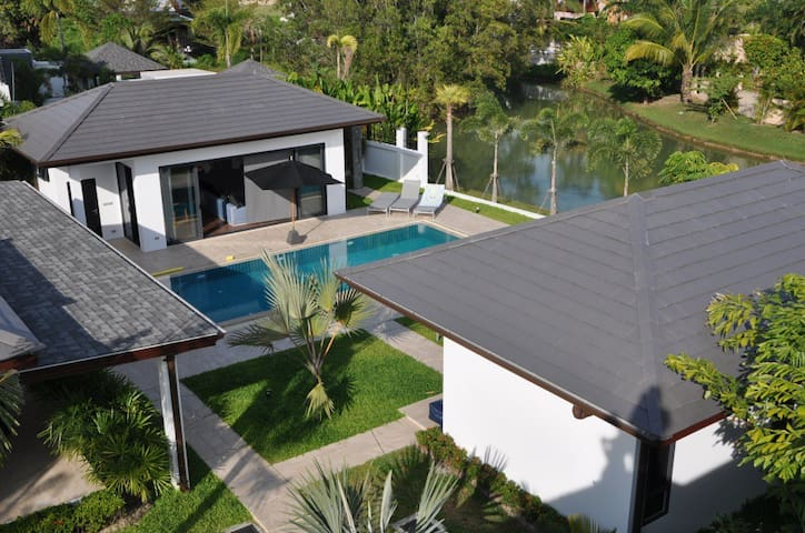 Lagoon Private pool villa - Tambon Rawai - House