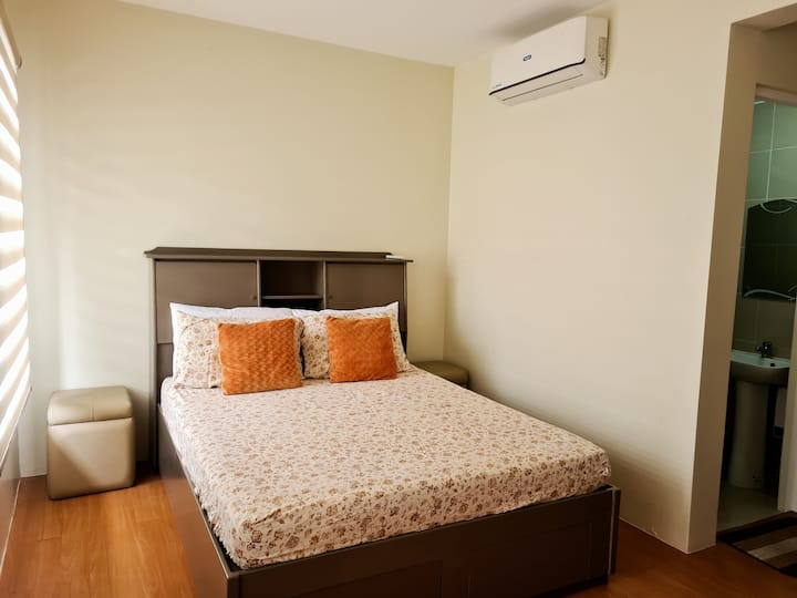 *NO REQUIREMENTS NEEDED* Townhouse FREE Pool+Wifi