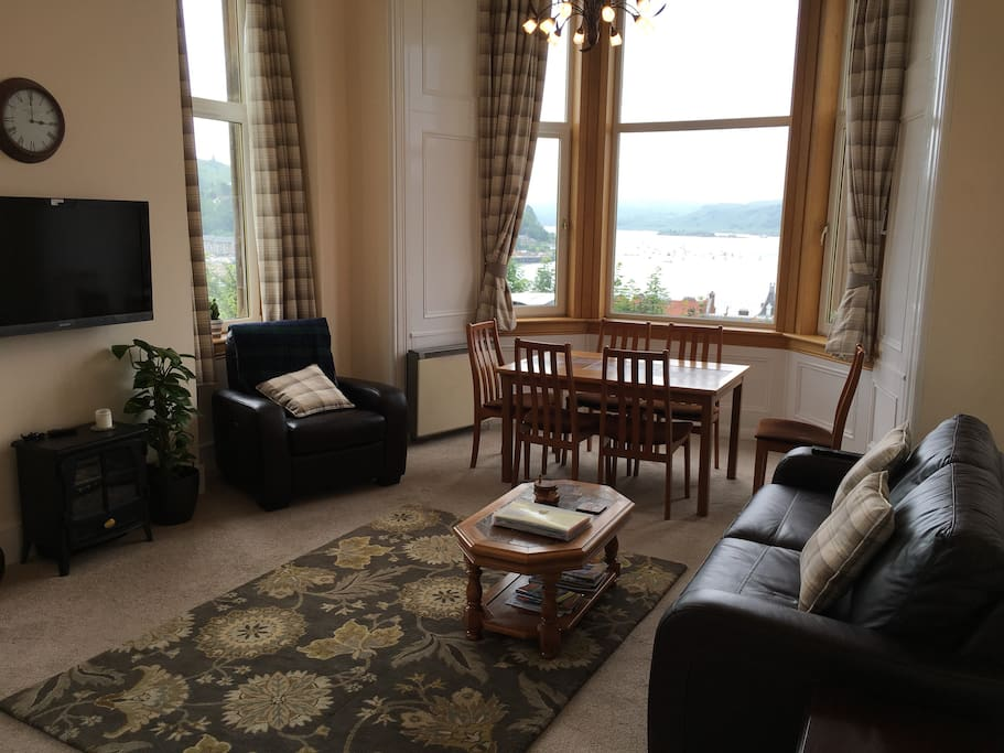 Oban panoramic victorian style apartment apartments for for Victorian style apartment