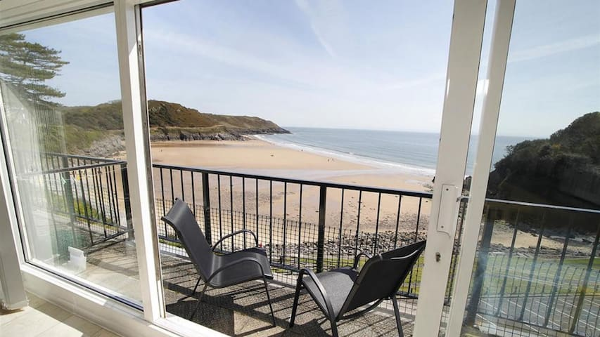 9_306B Redcliffe Apartments, Caswell Bay