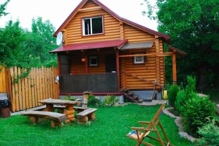 Beautiful wooden cottage Kosiv - Ivano Frankivsk