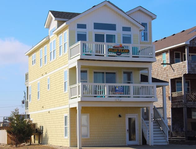 Flip Flop 5 Bedroom Beach House w/ Private Pool and Hot Tub!