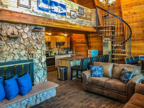 The Flight Deck Cabin | Duck Creek Village, Utah