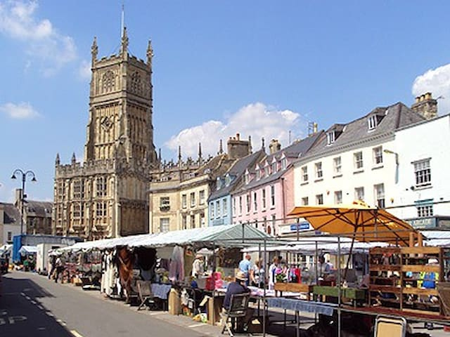 Cirencester, the Capital of the Cotswolds