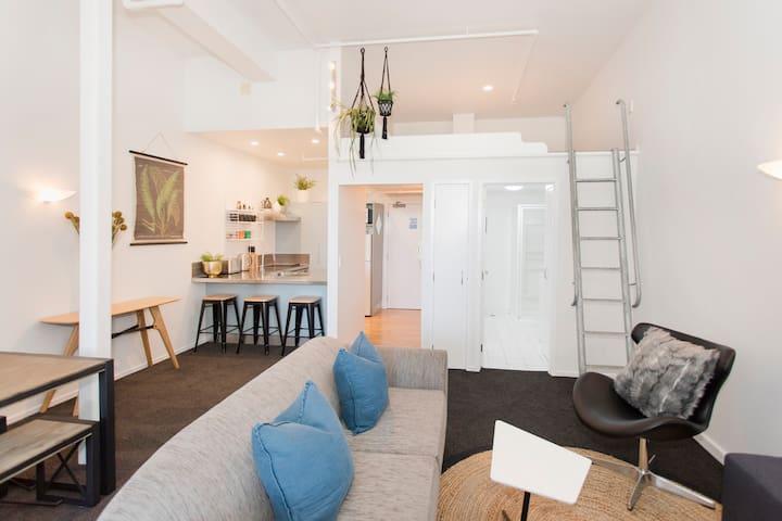 Urban Loft (2 Bedrooms + Mezzanine Loft)