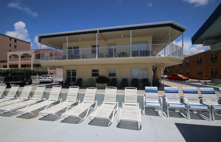 Sea Rocket w/ Ocean view - North Redington Beach - Apartament