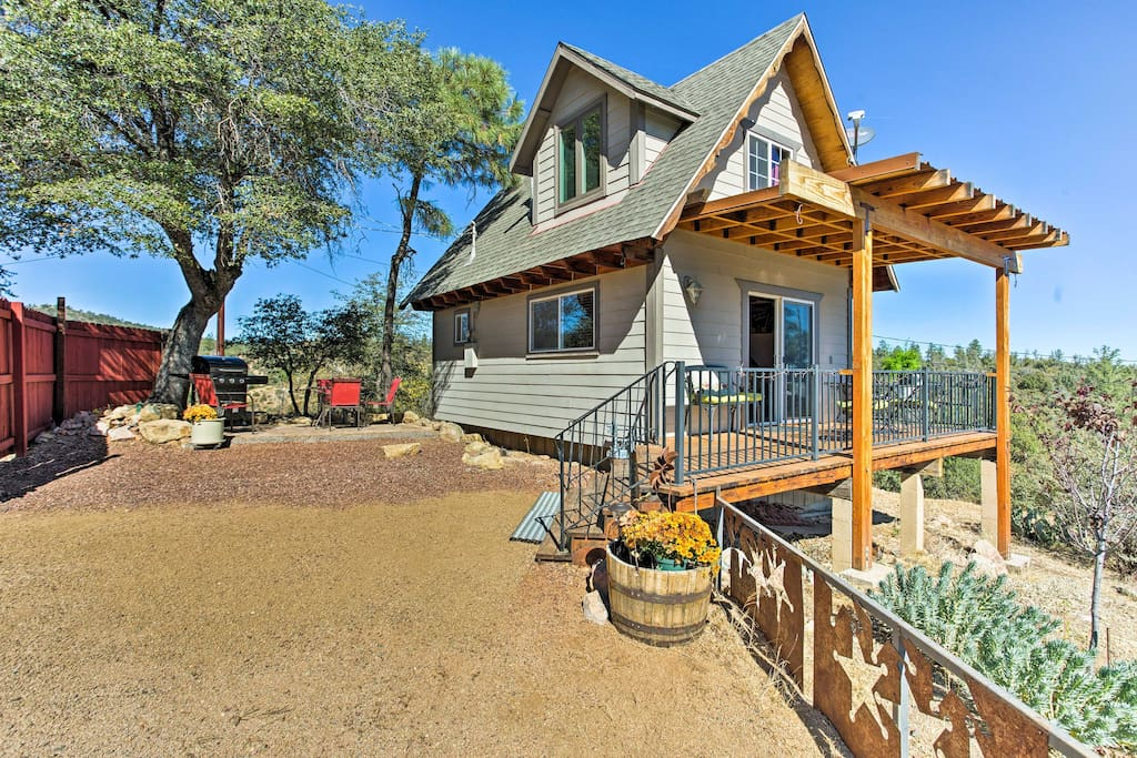 This charming home boasts 800 square feet and comfortably sleeps up to 3 guests.