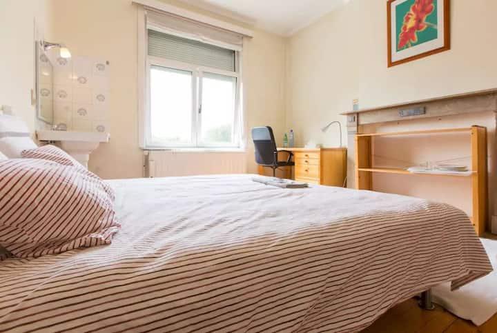 ** Beautiful Bright Room ** (Saint-Gilles/Ixelles)