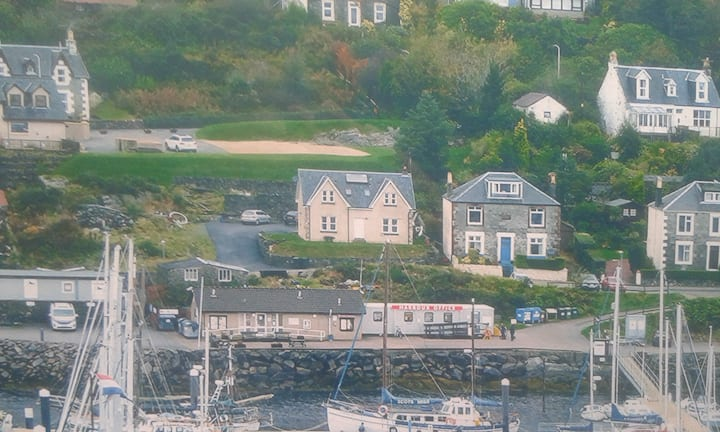 Harbour Cottage, Tarbert. Room 2
