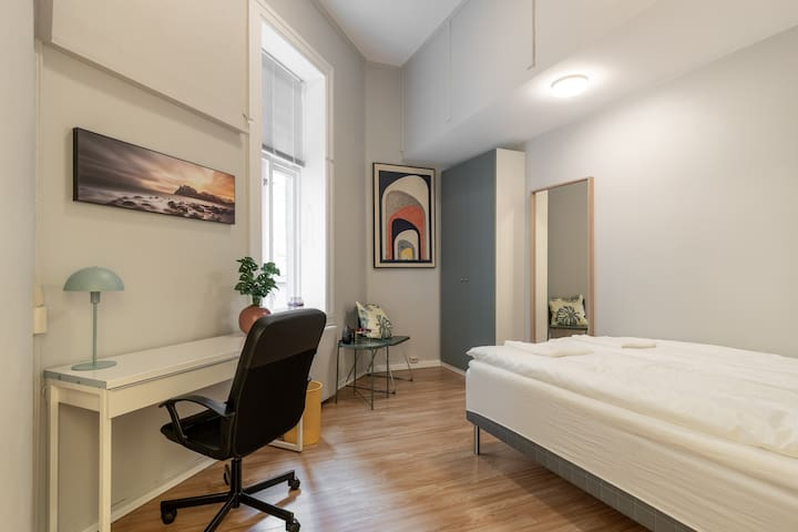 Ragle room in the Heart of Oslo! 3 min from castle