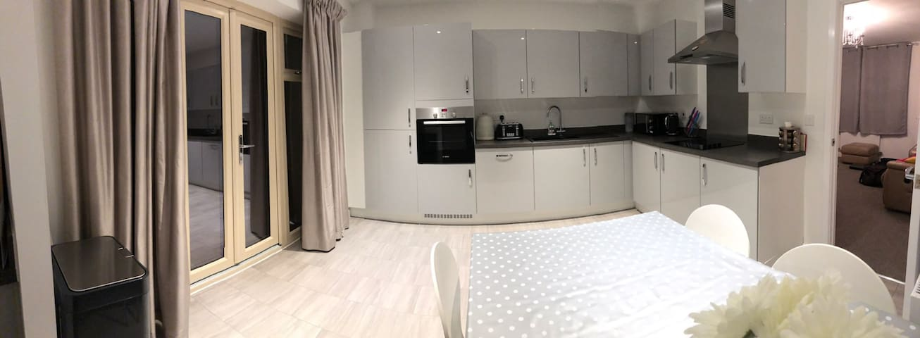 Double Room in Brand New House