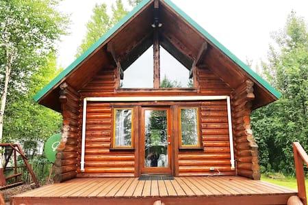 Beautiful Alaskan Lakefront Cabin