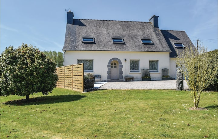Nice home in Ploumilliau with 4 Bedrooms
