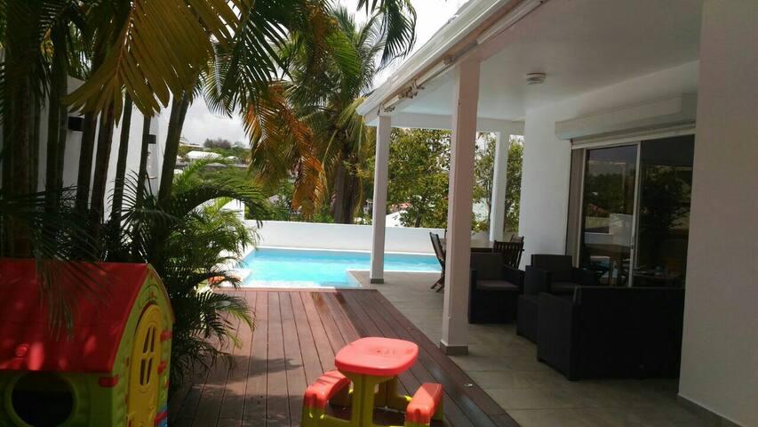 Villa avec piscine pour les vacances au gosier