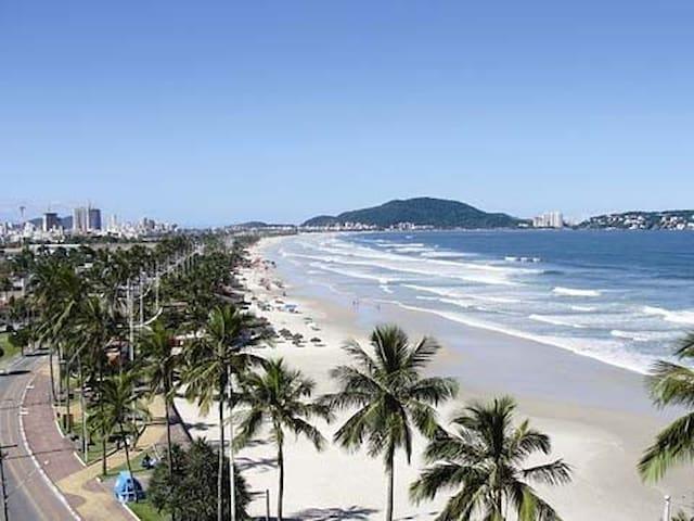#Apt Guarujá Enseada 6 lugares 200 mts da praia