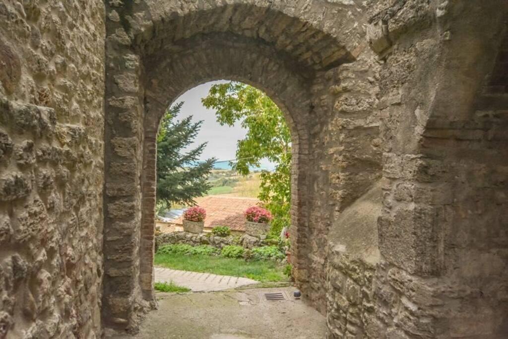 Ingresso del castello - The castle entrance