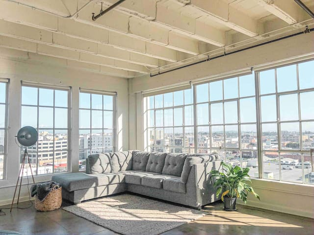 Downtown Los Angeles Corner Sweeping View 2Bd Loft
