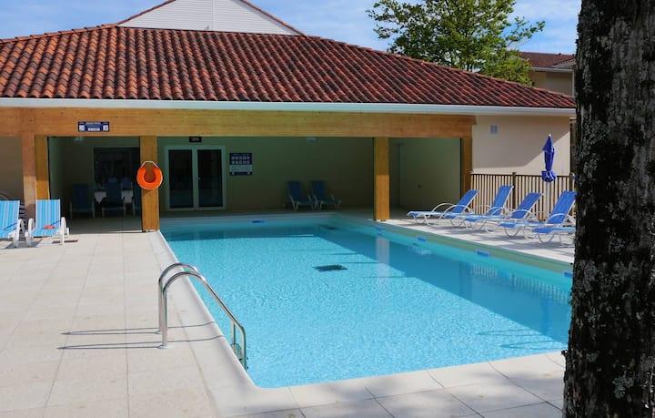 Bel Appartement avec Wi-Fi Gratuit et accès piscine | Sur le lac !