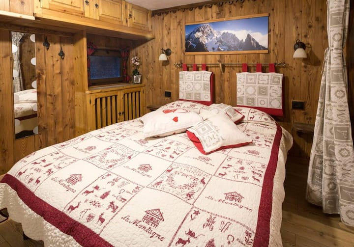 Cozy basement studio in Courmayeur: La Tana