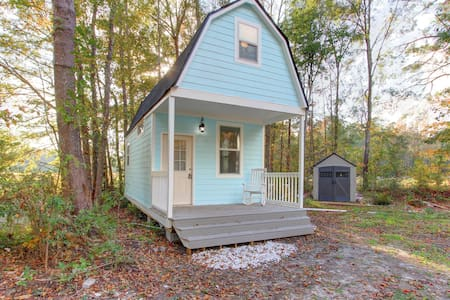 TINY HOUSE - BIG STYLE - A unique place to stay! - Summerville - Gjestehus