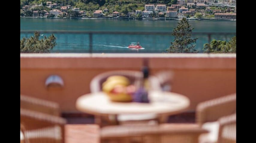 Family home with terrace view - Kotor - Haus