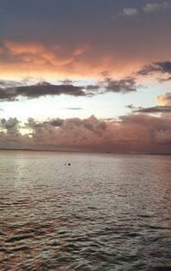 Caribbean flat sea, private dock - Byt