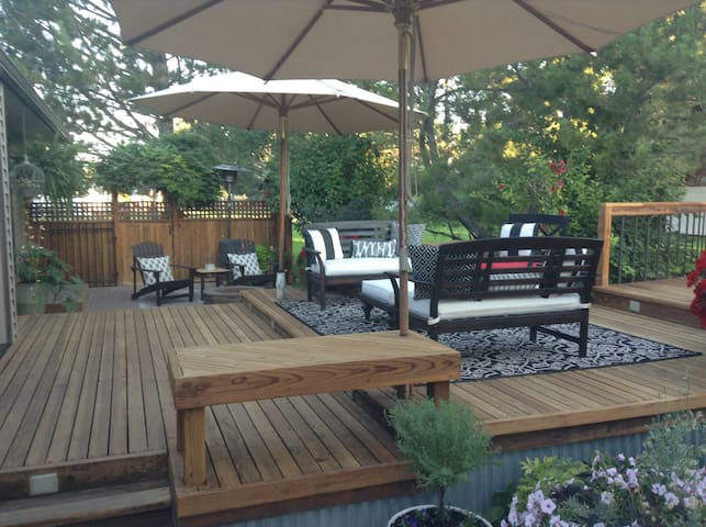 Large deck with plenty of seating.