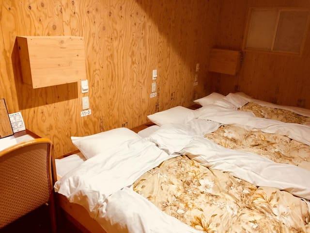 uesthouse Otaru Wanokaze Triple Room