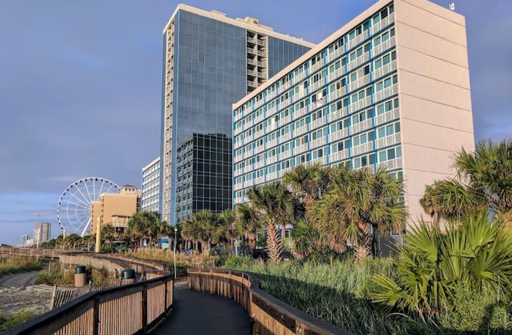 OCEAN FRONT 1-Bedroom unit in Myrtle Beach!
